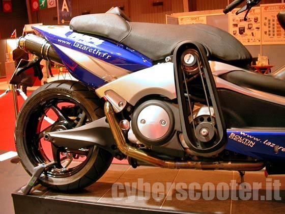 moto aquatica yamaha tmax idee di immagine del motociclo. Black Bedroom Furniture Sets. Home Design Ideas